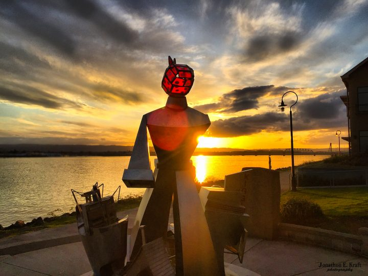 """Image of the """"Wendy Rose"""" sculpture on the Renaissance Trail at Columbia Shores, Washington."""