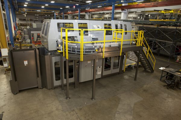 Image of a HL6200 high level palletizer with a Curved Infeed.
